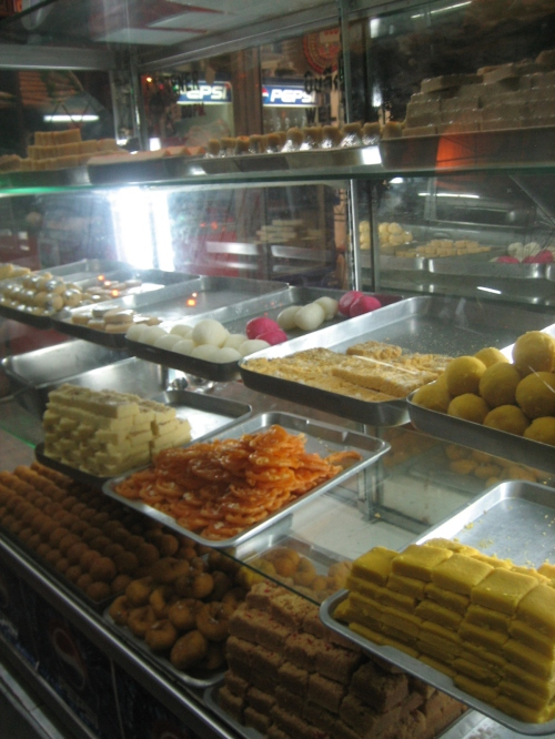 indian-sweets-case-2